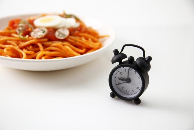 時計と食べ物